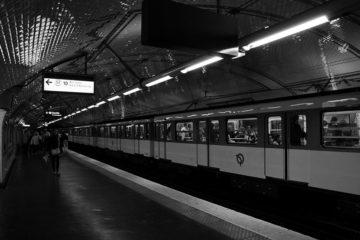 Lucien Chardon dans le métro de Paris